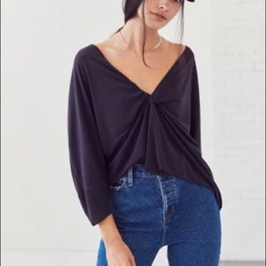 URBAN OUTFITTERS Silence + Noise NWT Vneck Top